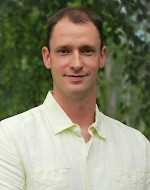 photo of Dr. Andrew Friesen